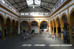 Tarifa market at closing.